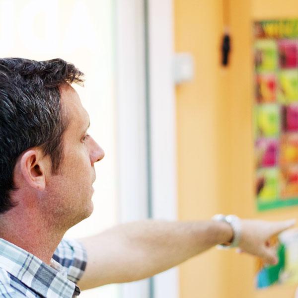 Profesores nativos de inglés Academia little Monk Las Palmas